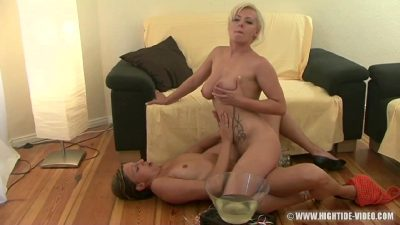 Crazy Lesbians Hot Pissing Porn Fetish Video