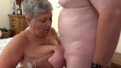 Granny Savana Knows How To Handle A Big One 2