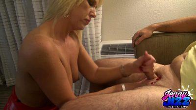 Horny Milf Gets Big Facial – Amateur Porn