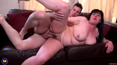 Janey – Hairy Big Breasted Cougar Visiting Her Younger