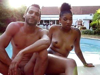 Sex tijdens poolparty